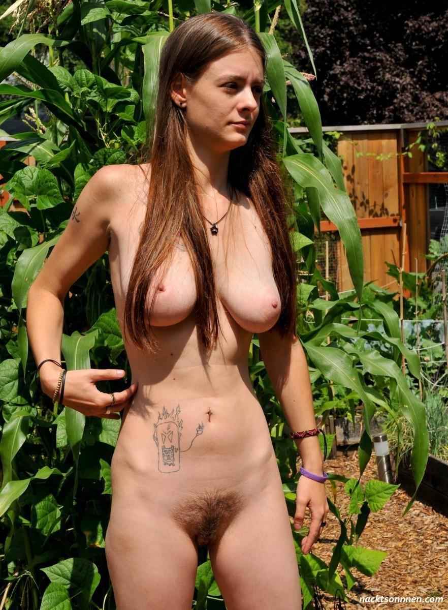Nachbarstochter Nackt