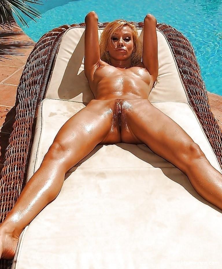 Nackt Sonne